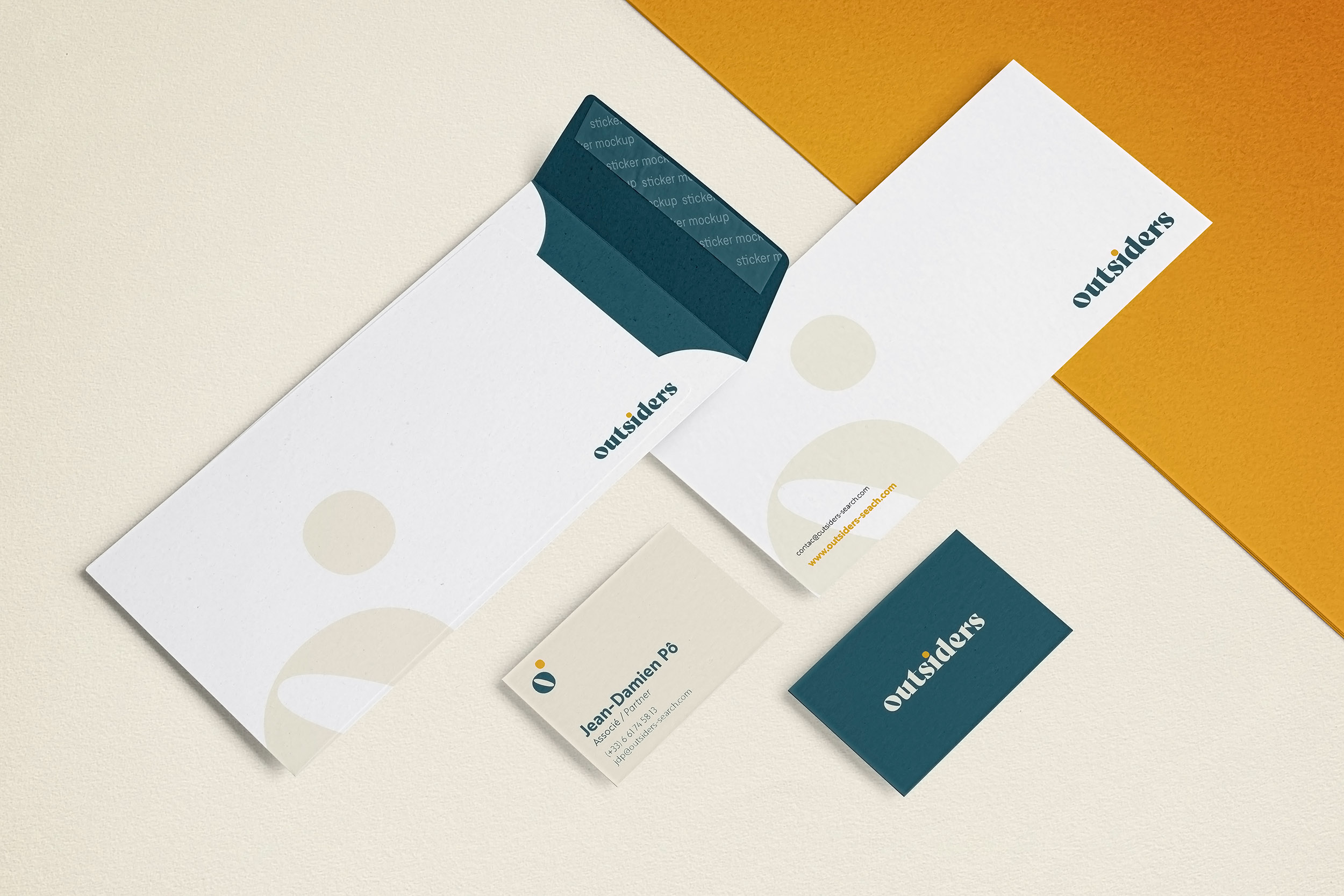 right envelope-yellow-cards-invitation-corporate